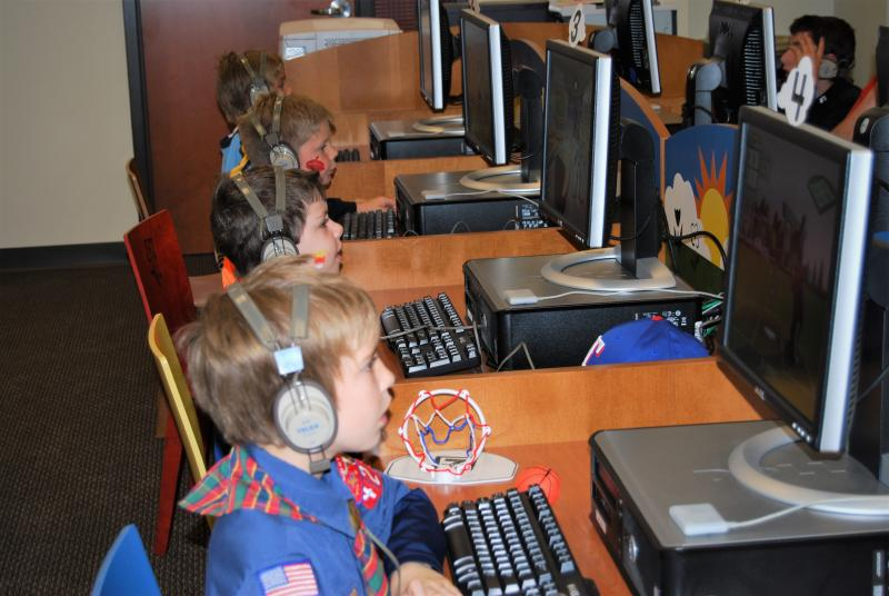 Kids at the computer at southwest branch 2007